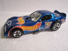 Wowie.. I'm a girl but I love me some Hot Wheels! I would have sacrificed my older brother for this when I was 7.