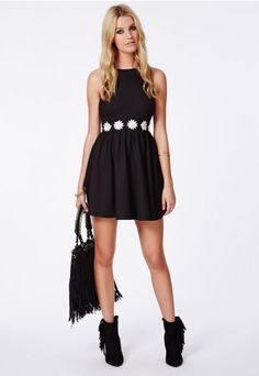 Allyn Daisy Waistband Skater Dress - Dresses - Skater Dresses - Missguided