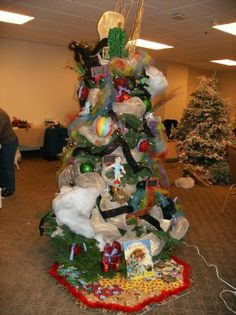 My 2015 Wizard of Oz themed christmas tree. | Christmas in Oz ...