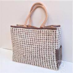 Een omhaakte tas met een extra zijvakje!