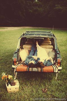 Vintage car engagement, Jeep Wagoneer engagement #jeepwagoneer #vintagecarengagament