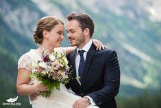 Hochzeit Lisa Alm Flachau – Lisa & Rob - Foto Sulzer Blog Lisa, Wedding Dresses, Fashion, Pictures, Engagement, Pretty Pictures, Simple, Nice Asses, Bride Dresses