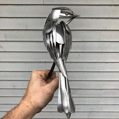 Artist Turns Unwanted Scrap Metal into Magnificent Bird Sculptures - Welding Projects about you searching for. Metal Sculpture Artists, Steel Sculpture, Bird Sculpture, Animal Sculptures, Sculpture Ideas, Abstract Sculpture, Bronze Sculpture, Metal Art Projects, Welding Projects