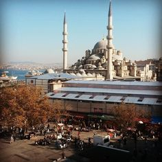 BLUE MOSQUE | ISTANBUL  My #throwbackthursday to my amazing week in Istanbul in 2014. NEW post up on my blog - Link in Bio! Special thanks to #SellHardWesternCape  for this incredible experience! Also thanks to TV producer & host @georgemoralestv  judge @tracymcgregor and our host @aydinthesun @asliastari @exbatman . #TBT #travel #turkey #Istanbul #blog #blogger #travel #travelblogger #travelgram #bluemosque #vscocam #latergram #dstv #bigissue #reality #tv #show #technology #pr #faselis #ctv…