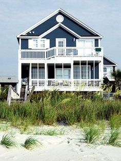 34 Popular Beach House Exterior Color - Home Design Haus Am See, Beach House Decor, Home Decor, Rent A Beach House, Dream Beach Houses, Cottage Plan, Exterior House Colors, Exterior Paint, Coastal Cottage