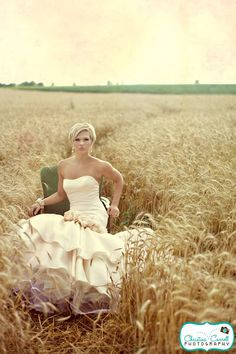 Gorgeous field! I will scout tons of photo locations for my wedding and have my sessions done the day following my wedding.