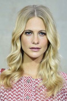 20 Stylish Ways to Wear Center Part Hairstyles: Poppy Delevingne Shag Hairstyles, Pretty Hairstyles, Wedding Hairstyles, Hairdos, Poppy Delevingne, Beauty Makeup, Hair Makeup, Hair Beauty, Flawless Makeup