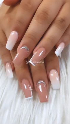 Ombré ✨ #gelnails #nails #nailart Bling Acrylic Nails, Acrylic Nails Coffin Short, Square Acrylic Nails, White Acrylic Nails, Best Acrylic Nails, Coffin Nails, Pastel Nails, White Acrylics, Ombre Nail Art