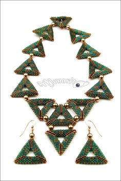 Beautiful color combination, emerald with metallic copper, make this necklace special. Tiny delica beads were woven one by one to create those 3D triangles. It seemed like a never ending process, but still meditative and each completed triangle was an Everest. Among the endless possibilities