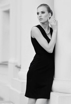 #monochrome #photography #fashion #classic #legs #highheels #model #beautiful #woman #girl #moda #dress #hotel
