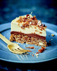 Årets nytårskage - Køkkenlykken.dk Sweet Recipes, Real Food Recipes, Cake Recipes, Snack Recipes, Dessert Recipes, Fancy Desserts, Ice Cream Desserts, Danish Food, Sweets Cake