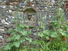garden wall niches - Google Search Wall Niches, Stepping Stones, Google Search, Outdoor Decor, Garden, Home Decor, Garten, Interior Design, Gardening