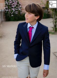 Mivestido, trajes de comunion, vestidos comunion, comunion trendy, 10 Boys Wedding Suits, Boys First Communion, Kids Photography Boys, Boys Suits, Suit And Tie, Beautiful Boys, Boy Fashion, Cute Boys, Boy Outfits