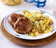 frikadellenl-mit-Kaesekern-und-fruchtigem-kartoffelsalat statt gouda mal mit schafskäse probieren!