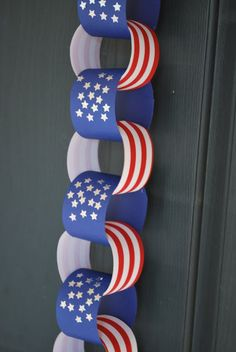 Next time Daddy goes somewhere,  we are going to make this as our countdown chain... heck we might make it for 4th of July too!