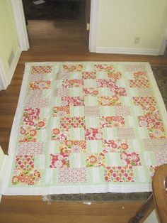 Hi,  I was so thrilled when I found Pat Bravo's site. She's got a great fabric and pattern line. As I browsed her site, I found a free q...
