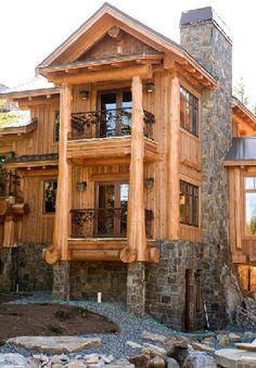 I don't know if you little bundle of peaches have noticed, but I am in love with the idea of a huge log cabin home! Crazy right? Well I absolutely adore the idea all together!