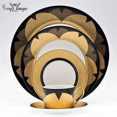 """""""Recamier"""" shape with a pattern with subtlety in black and gold created by Kenzo Takada."""