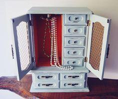 Musical Jewelry Box, Aqua Color, Drawer Handles, Retro Look, Locker Storage, Gift Ideas, Christmas, Stuff To Buy, Home Decor