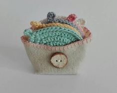 Face scrubbies ShopCreativelySA on Etsy Crochet Flowers, Etsy Seller, Coin Purse, Unique Jewelry, Handmade Gifts, Face, Shop, Kid Craft Gifts, Crocheted Flowers
