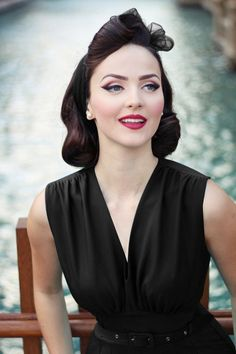Daisy Dapper TopVintage Exclusive ~ 50s Loretta Pencil Dress in Black #IddavonMunster
