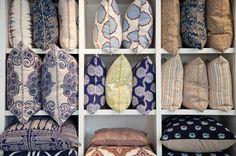 Full pillow display