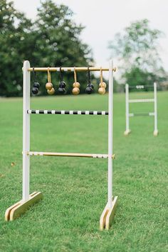 Outdoor Games: DIY Ladder Toss You Can Take to the Park I love this game Outdoor Yard Games, Diy Yard Games, Lawn Games, Diy Games, Backyard Games, Backyard Coop, Outdoor Toys, Ladder Toss, Diy Ladder