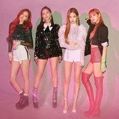 blackpink LISA kiss and make up concert outfit Blackpink Lisa, Kim Jennie, Kpop Girl Groups, Kpop Girls, K Pop, Selena Gomez, Lady Gaga, Blackpink Square Up, Toddler Girls