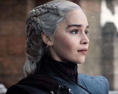 game of thrones, got y daenerys imagen en We Heart It Game Of Thrones Facts, Game Of Thrones Quotes, Game Of Thrones Funny, Georgie Henley, Daenerys Targaryen, Khaleesi, Jamie Campbell Bower, Emilia Clarke, Tim Burton