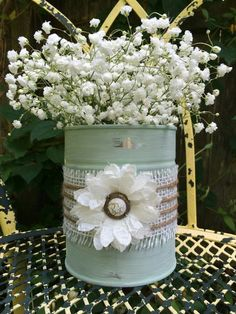 Shabby chic up cycled tin can vase. Perfect by LynnsCoastalCottage Shab… Shabby chic up cycled tin can vase. Perfect by LynnsCoastalCottage Shabby chic up cycled tin can vase. Perfect by LynnsCoastalCottage Cocina Shabby Chic, Shabby Chic Kitchen, Shabby Chic Homes, Shabby Chic Style, Shabby Chic Decor, Shabby Chic Crafts, Kitchen Decor, Tin Can Crafts, Jar Crafts