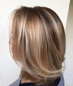 Want to know what haircuts and hairstyles for fine hair work best? Try one of volume-boosting bob haircuts for fine hair from our article, and you will never face a problem of thin locks again! Bob Haircut For Fine Hair, Line Bob Haircut, Bob Hairstyles For Fine Hair, Haircuts For Fine Hair, Layered Haircuts, Layered Lob, Bob Haircuts, Hairstyle Men, Men's Hairstyles