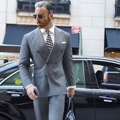 Monday Motivation A very nice double breasted suit Follow us for inspirational daily fashion images _________________________________ @christopherkorey #alexandercaineuk #fashion #mensfashion #menswear #instalike #fashionblog #fashiongram #fashionstyle #luxury #luxurylifestyle #italianstyle #ootd #ootdmen #outfit #menslook #mensoutfit #navy #menstuff #model #like4like #dapper #swagger #meninsuits #mensuits #suitedup #rayyounis #italiandesign#mensshoes