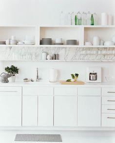 open shelves, white & marble combo