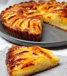 Tarte Suisse aux pommes délicieux - Page 2 sur 3 - Tasties Foods Fruit Recipes, Sweet Recipes, Cake Recipes, Dessert Recipes, Cooking Recipes, Banana Recipes, Desserts With Biscuits, French Pastries, Food Cakes