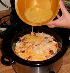 crockpot breakfast casserole: great when you have guests. If you have a crockpot that cooks higher even when on low, you may want to reduce cooking time. Very yummy and great to wake up to breakfast done. Crock Pot Recipes, Crock Pot Cooking, Slow Cooker Recipes, Cooking Recipes, Crockpot Meals, Crockpot Egg Bake, Crock Pots, Cooking Chef, Crock Pot Breakfast Recipes