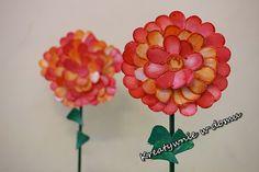 Dzień babci/ kwiaty DIY/ kids crafts  http://www.kreatywniewdomu.pl/2018/01/kwiaty-dla-babci.html