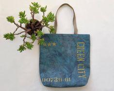 Blue tote bag of canvas.  US$47  #tote #canvastote #ecofriendly #ecobag #baytote #totebag #totelinenbag