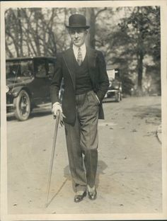 Jean Patou, 1924 (the most dapper man ever by the looks of it)