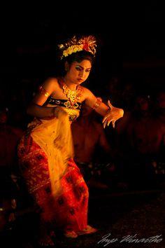 Balinese dancer photography by J Winthrow Dance Images, Dance Photos, Kinds Of Dance, Tribal Dance, Dance Movement, Professional Dancers, Folk Dance, Contemporary Dance, Lets Dance