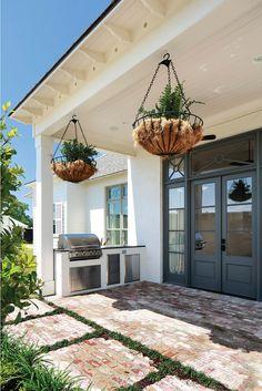 Patio Flooring Ideas Patio with reclaimed flooring #Patio #patioFlooring #ReclaimedBrick