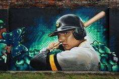 #3Steps      #streetart #muralart #graffiti #urbanart   #giessen #3stepscrew #baseball #sports #realistic Street Smart, Mural Art, Bruce Lee, Riding Helmets, Graffiti, Play, Baseball, Sports, Color