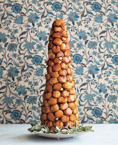 France, Croquembouche {Photo: Thuss + Farrell via Project Wedding} Alternative Wedding Cakes, Wedding Cake Alternatives, Croquembouche, French Wedding Cakes, French Cake, Cake Wedding, French Food, Scones, Wedding Cake Inspiration