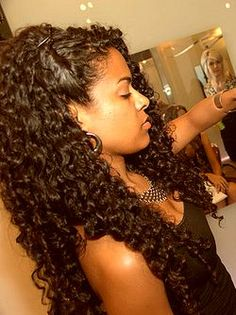 I'm trying to get my long hair don't care swag back. This is what my hair looks like long. Oh boy #curlyhair