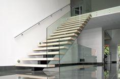 mono stringer / box steps / glass mount handrail / round stainless steel handrail