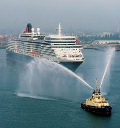 Queen Elizabeth sails into Southampton.