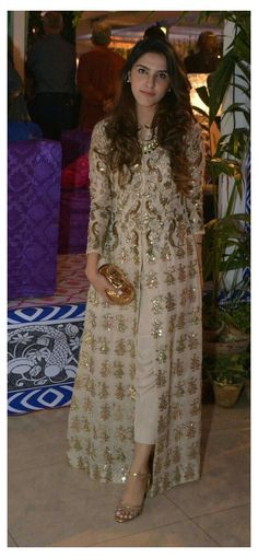 Dress Indian Style, Indian Dresses, Pakistani Dresses Party, Wedding Salwar Suits, Pakistani Dress Design, Indian Attire, Indian Wear, Indian Party Wear, Indian Suits