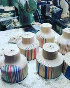 En proceso...más lámparas 😀😀✌️️✌️️ #galiciacalidade #decoracao #decorate #skateboard #product #coruña #coruñasueve #recycled #reciclado #recycle #reciclado #skate #skateboard #arce #artesano #artesania #lamp #lampara