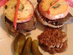 Paľova pečeňová bašta (fotorecept) - Recept Hamburger, Muffin, Breakfast, Ethnic Recipes, Food, Green Papaya Salad, Cilantro, Morning Coffee, Essen