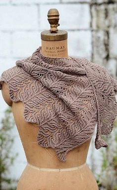 "This is the absolute ultimate knitted shawl... I NEED this stunning shawl!!! ""Узор для палантина спицами"""