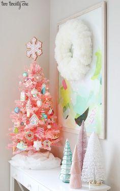 Candy Land Christmas, Christmas Trees For Kids, Pink Christmas Decorations, Pink Christmas Tree, Christmas Room, Vintage Christmas, Christmas Crafts, Christmas Mantles, Whimsical Christmas